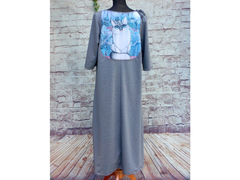Dlouhé šaty s obrázkem na zádech - Modrý kocour 46