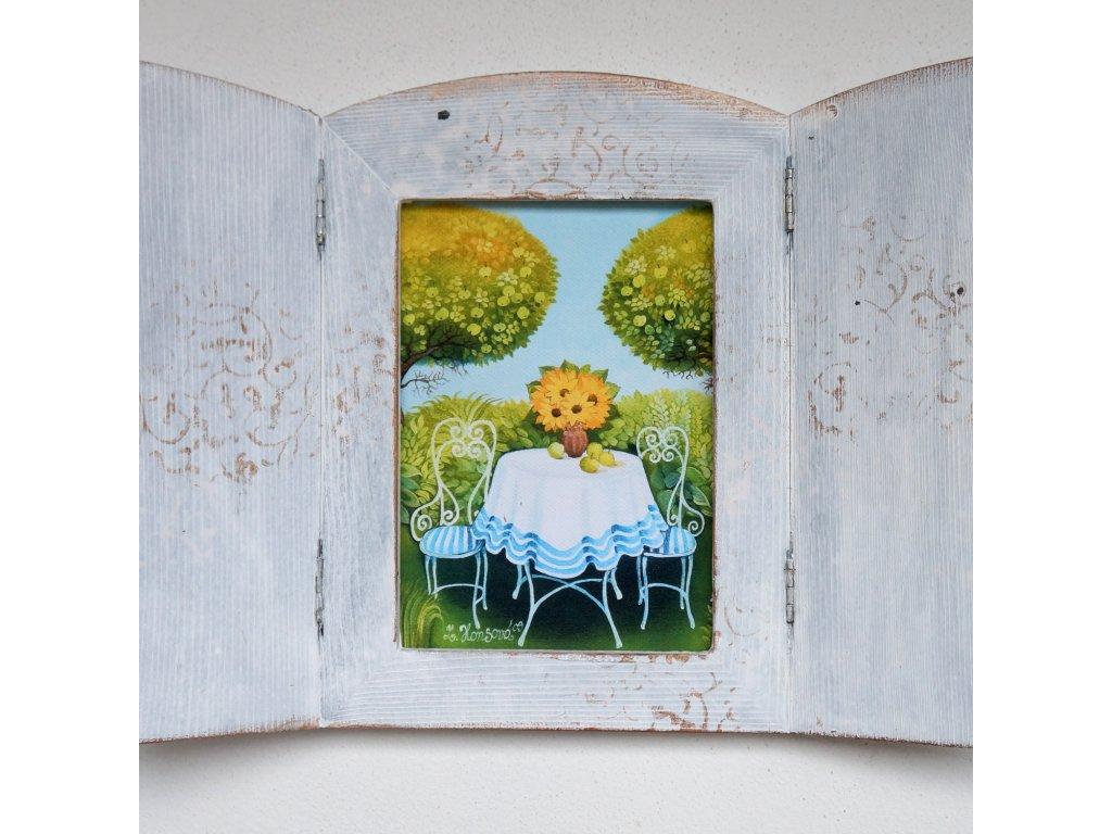 Otevírací obrázek - Stoleček na zahradě