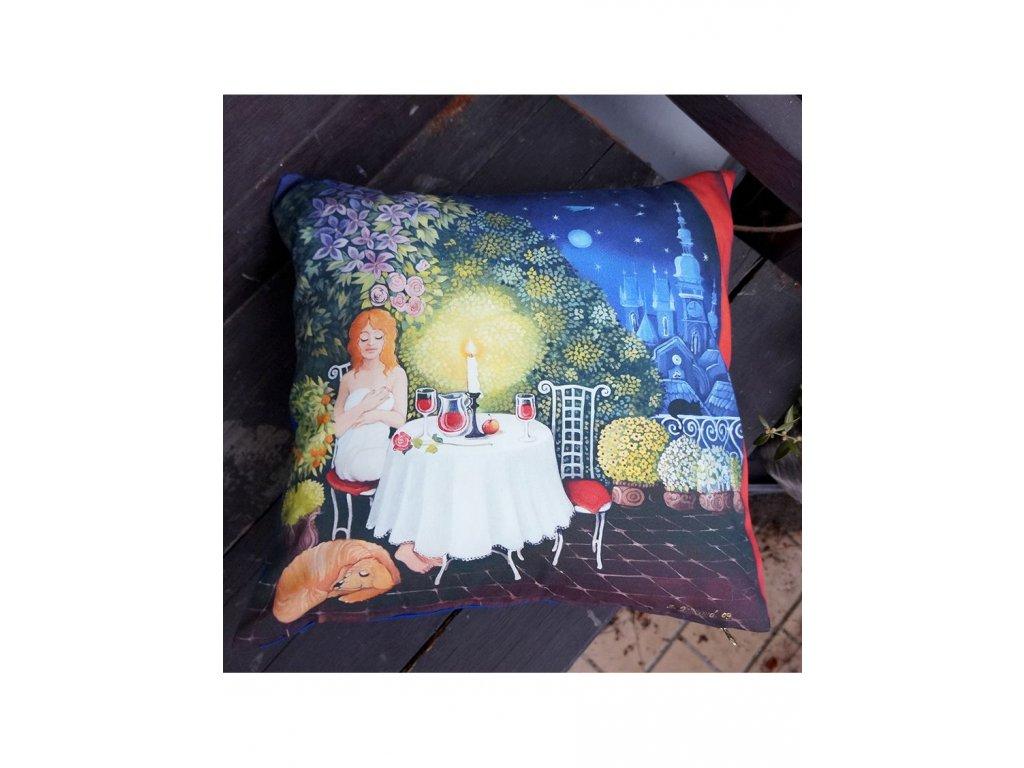 Ona na terase - polštář bavlna