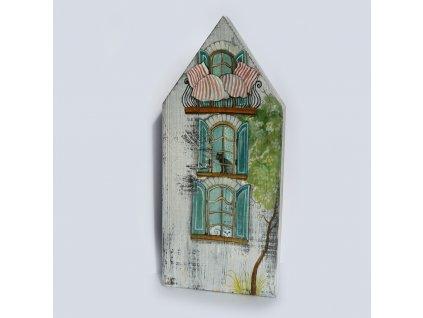 Domeček  s balkonem a pruhovanými peřinami