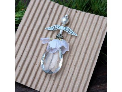 Andělka blýskavice s bílými křídly a sukýnkou