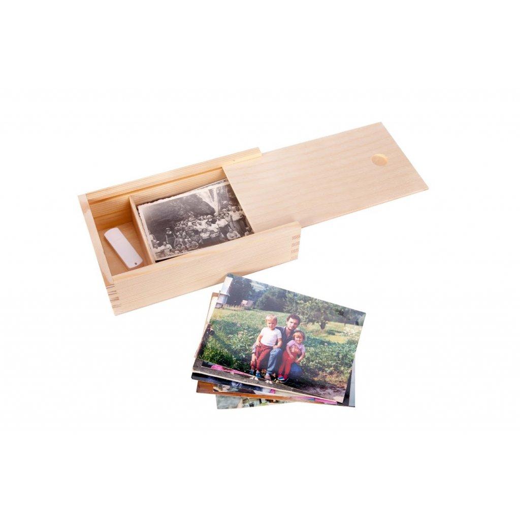 Dřevěná krabička na fotografie ve formátu 9x13 cm