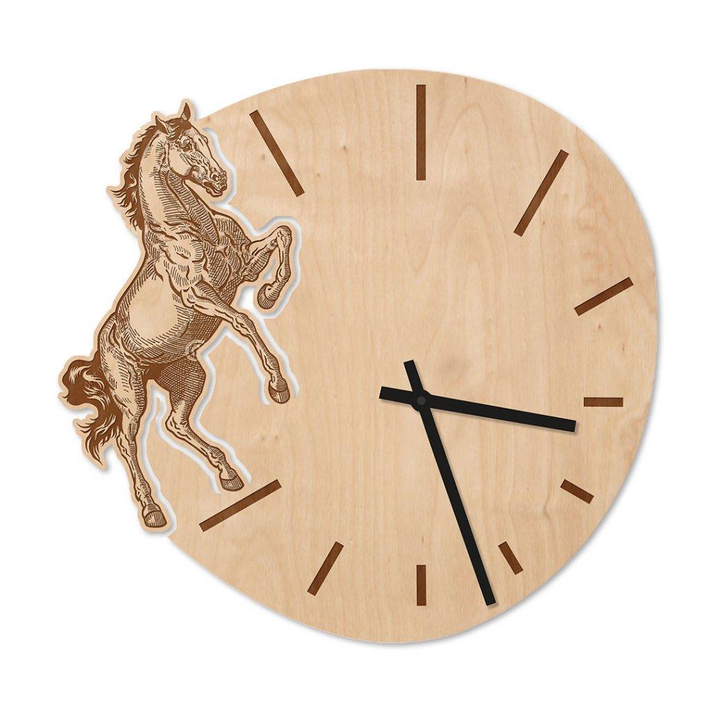 Dřevěné hodiny s koněm