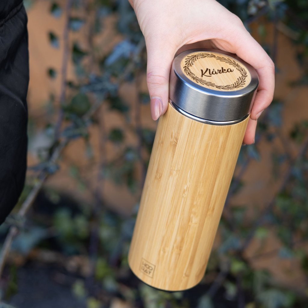 Bambusová termoska se jménem