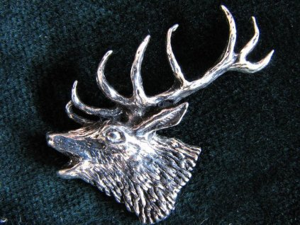 Lovecký odznak Hlava troubícího jelena