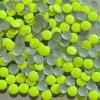 kovové hot-fix kameny barva 1001 FLUO LUMI ŽLUTOZELENÁ velikost 3mm, balení 100 nebo 500ks