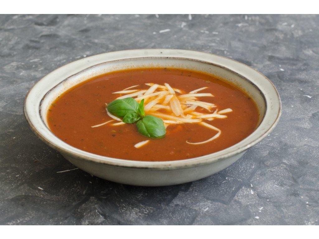 Talianska rajčinová polievka so syrom