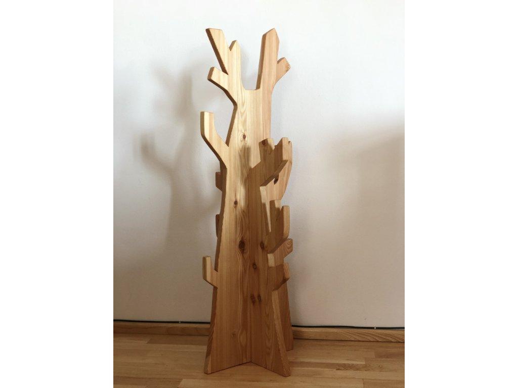 90 6 vesak strom