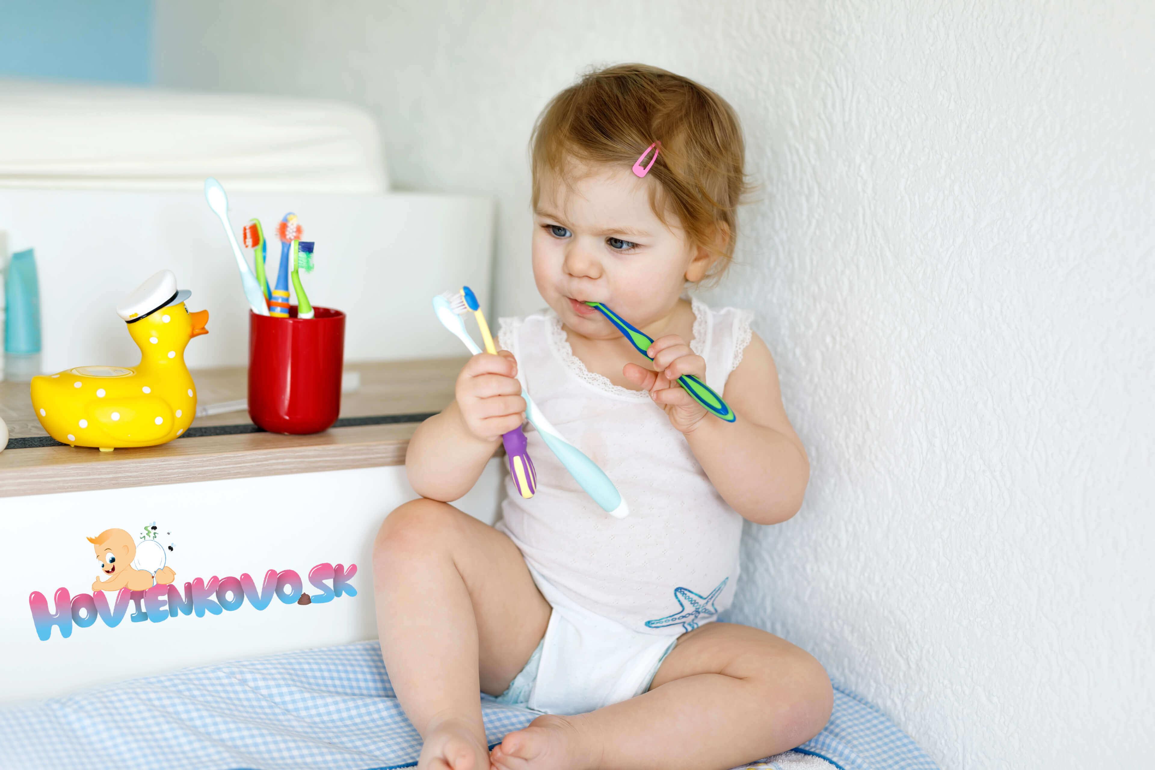 Ako si vybrať a používať prvú zubnú kefku vášho dieťaťa