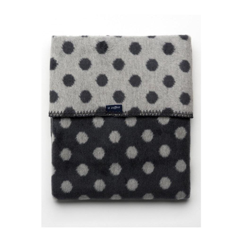 bavlnená detská deka Womar čierna s bodkami