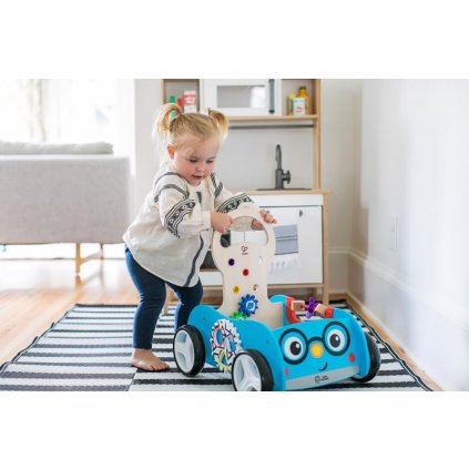 BABY EINSTEIN Hračka drevená aktívna vlečka Discovery Buggy HAPE 12m+