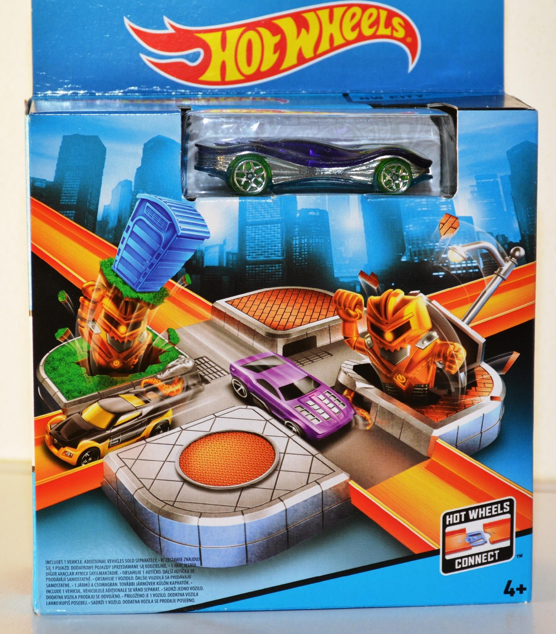 Hot Wheels City Křižovatka Kyborgů