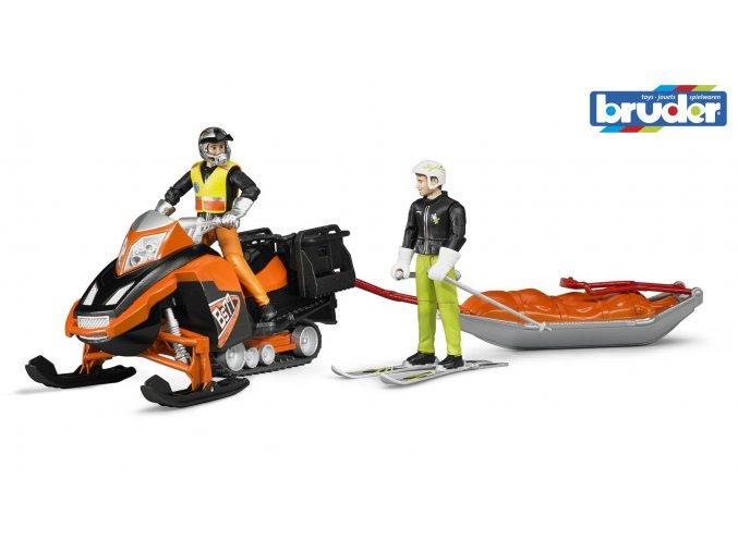 BRUDER 63100 Sněžný skůtr s řidičem,lyžař a sáně