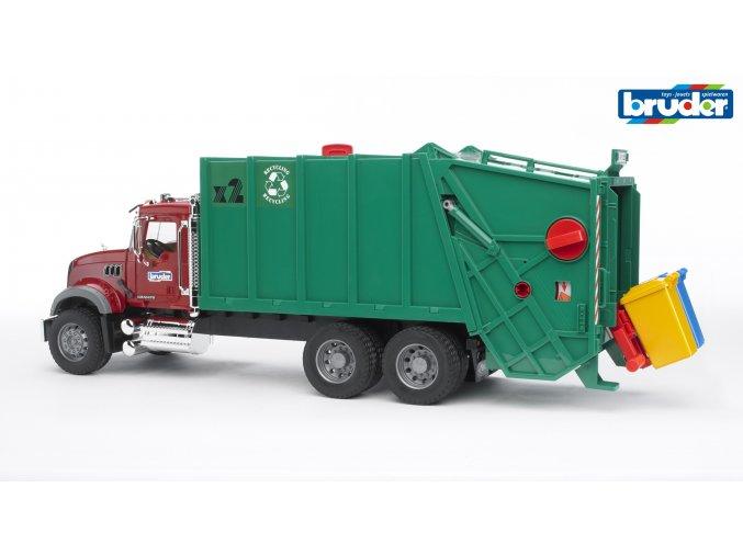 Zelené AUTO MACK Granite POPELÁŘ značky Bruder - BR 02812