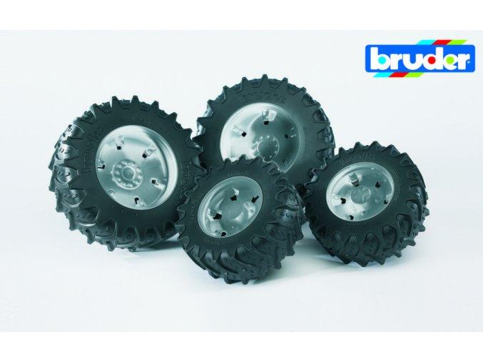 Stříbrná dvojitá kola pro serii 03.. značky Bruder - BR 03317