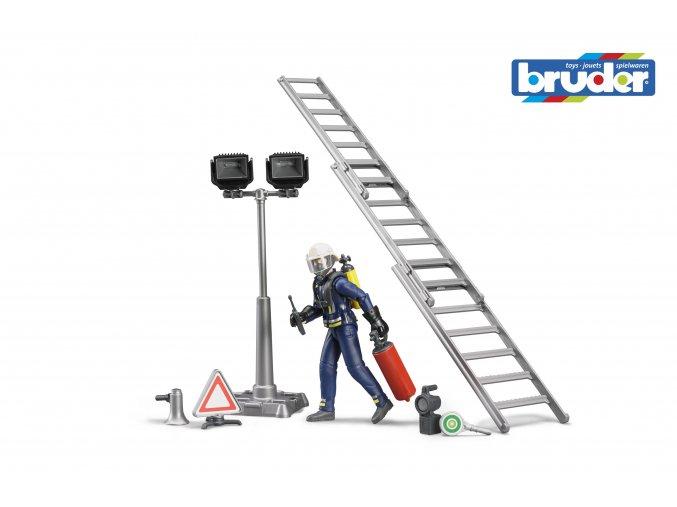 BRUDER 62700 Sestava figurka hasič s žebříkem a příslušenstvím