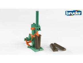 Štípačka dřeva za traktor+4 ks špalků značky Bruder - BR 2339