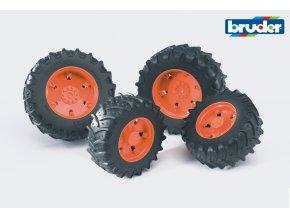 Červená dvojitá kola pro serii 03.. značky Bruder - BR 03312