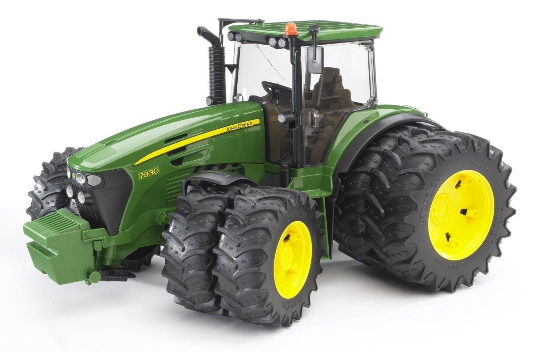 BRUDER 3052 Traktor John Deere 7930 s dvojitými koly