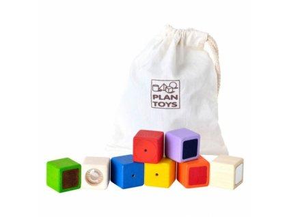 Plan Toys | Smyslové kostky (9ks)
