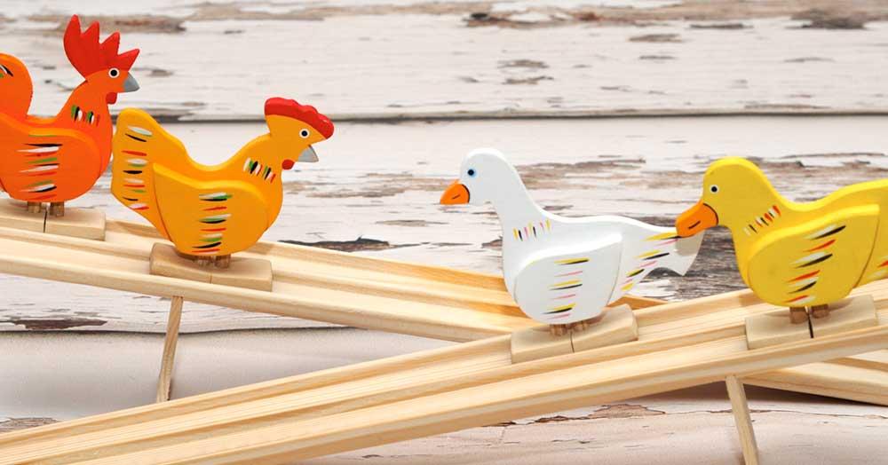8 dôvodov, prečo deťom kupovať drevené hračky