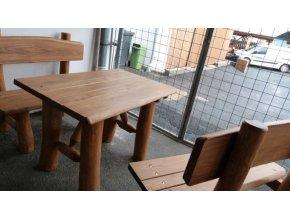 Masivní stůl  z akátu .