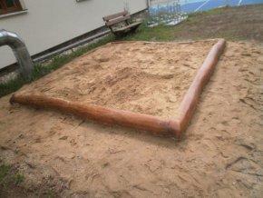 Pískoviště 3x3m  z akátu .
