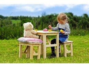 Dětský dřevěný piknikový set .