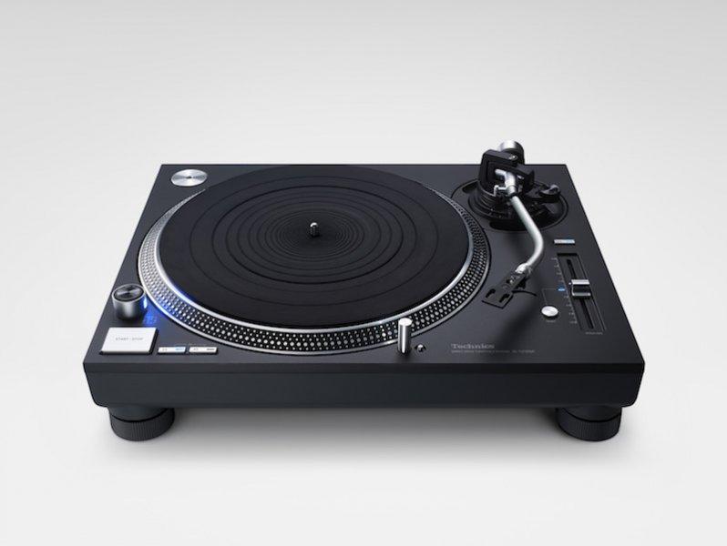 Technics SL-1200GR Barevné provedení: černé