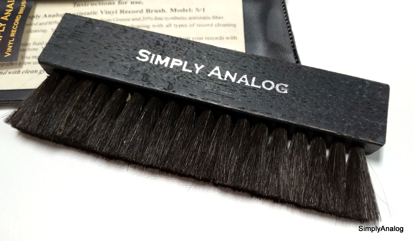 Simply Analog  - Anti-static Wooden Brush Cleaner S/1 Black