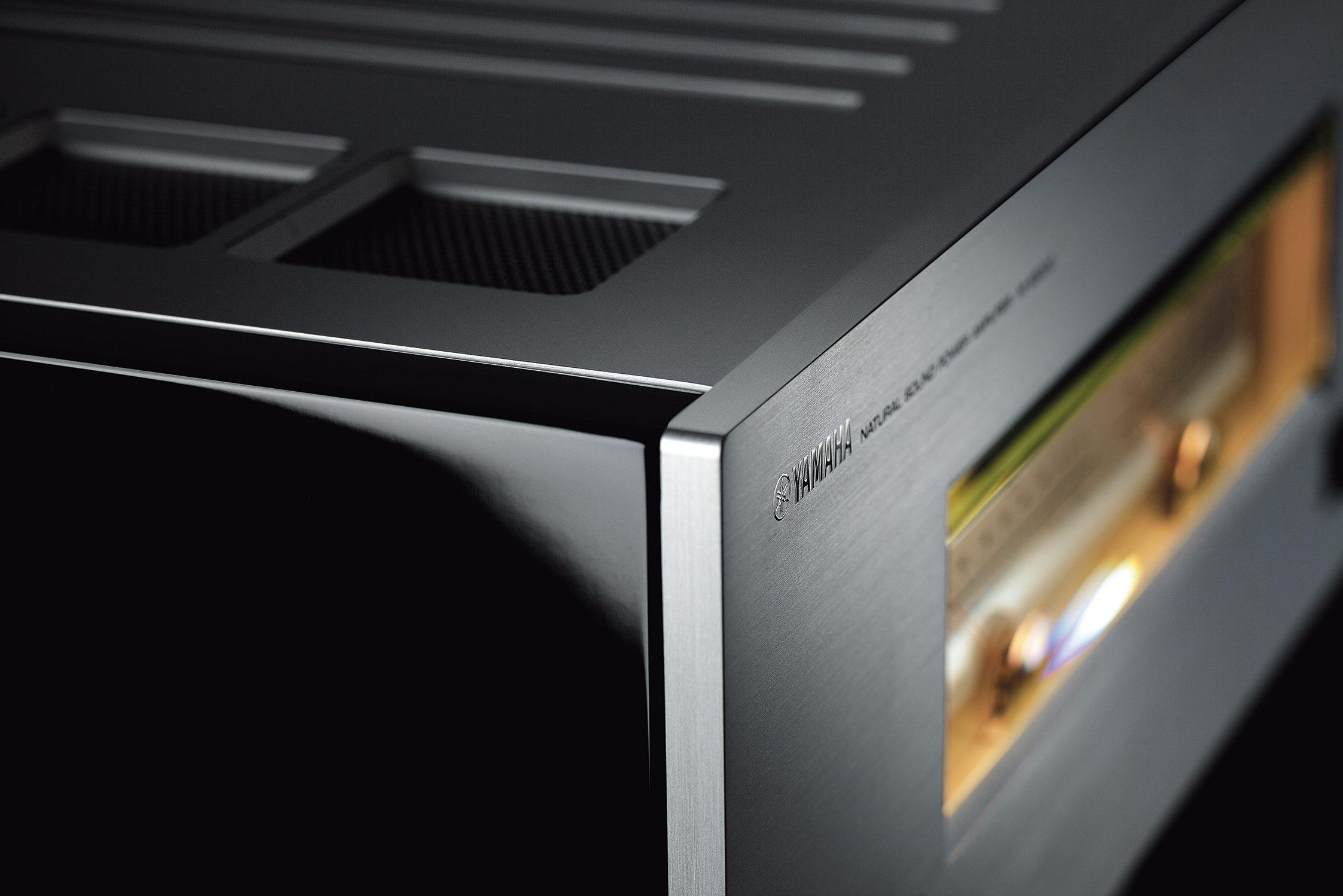 Yamaha M-5000 Barevné provedení: stříbrné