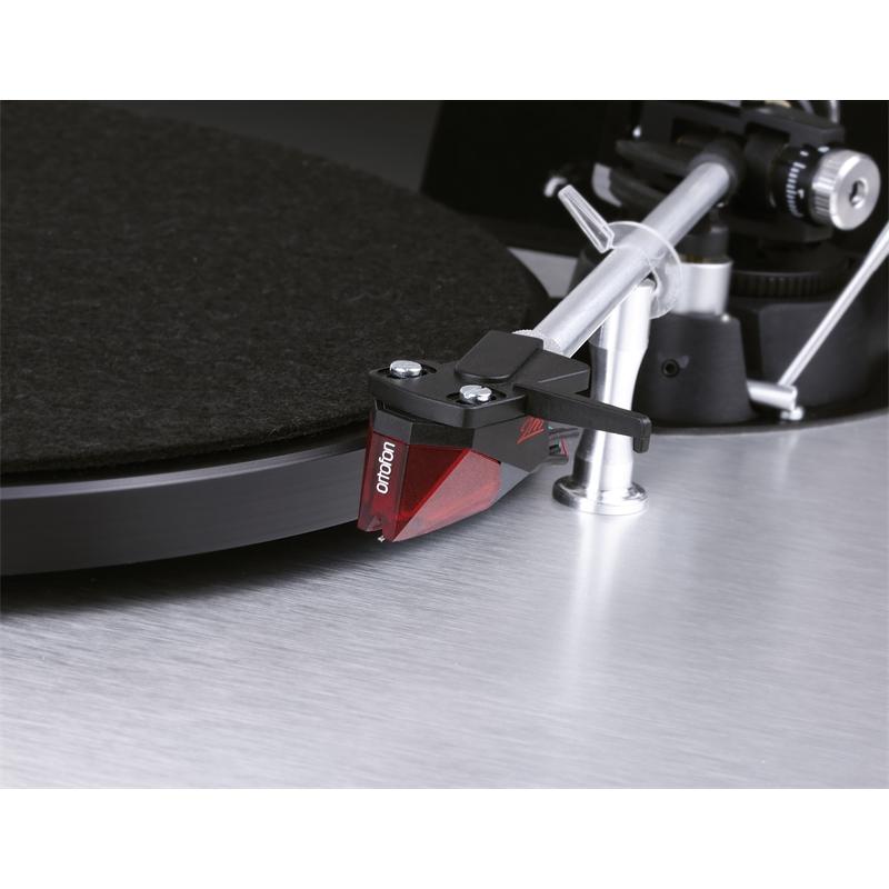 Dual CS 800 + Ortofon 2M RED Barevné provedení: aluminium silver - stříbrná