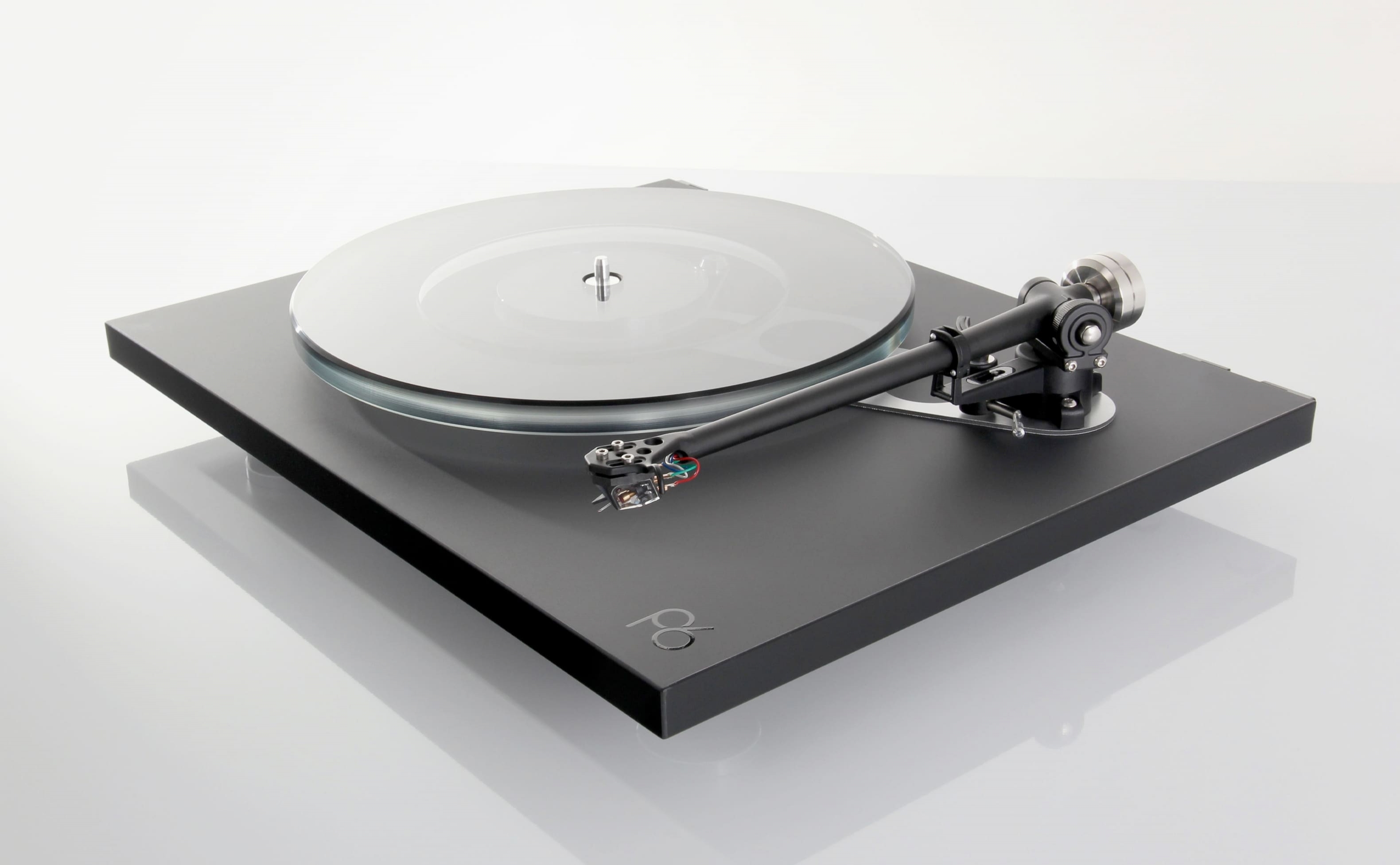 Rega Planar 6 šedá + přenoska Ortofon 2M Red