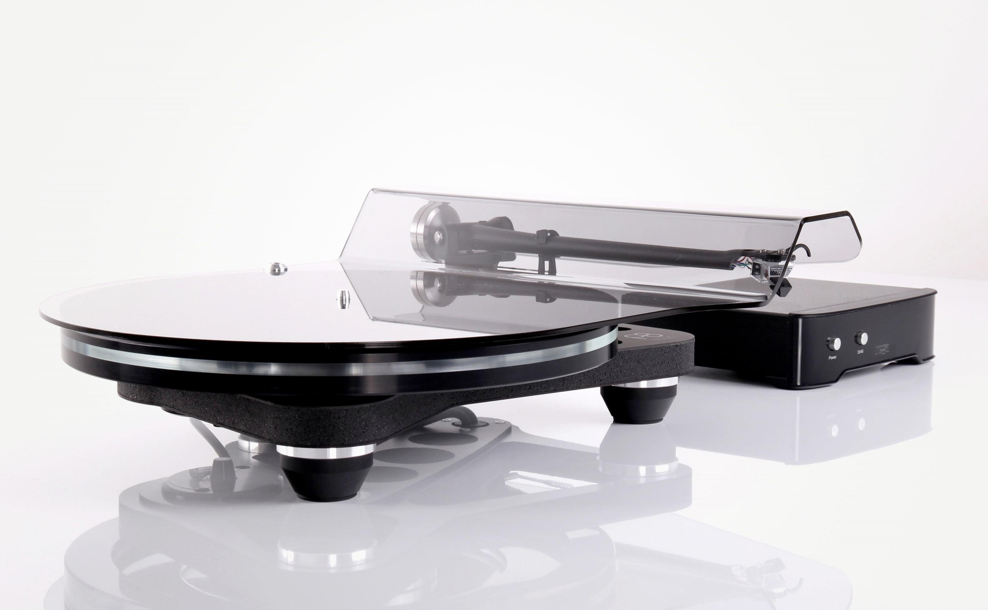 Rega Planar 8 + přenoska Nagaoka MP-110