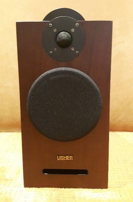 Usher N-6300 Barevné provedení: ořech - walnut