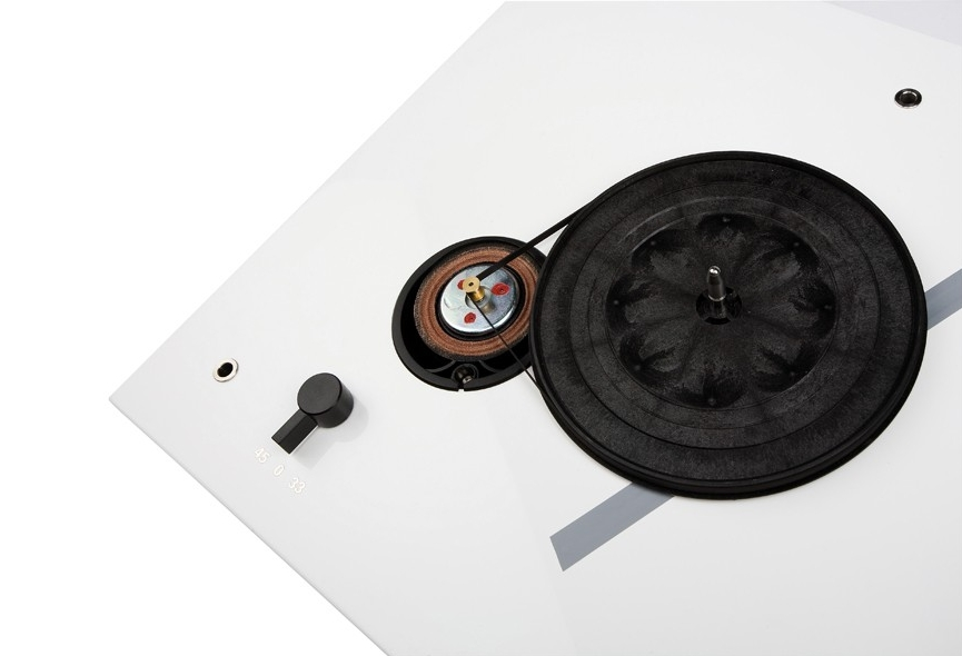 Thorens TD 206 Barevné provedení: černé