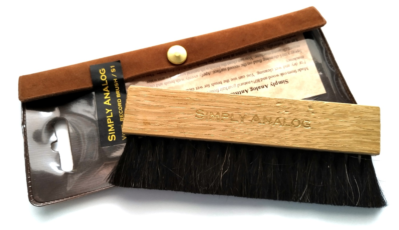 Simply Analog  - Anti-static Wooden Brush Cleaner S/1