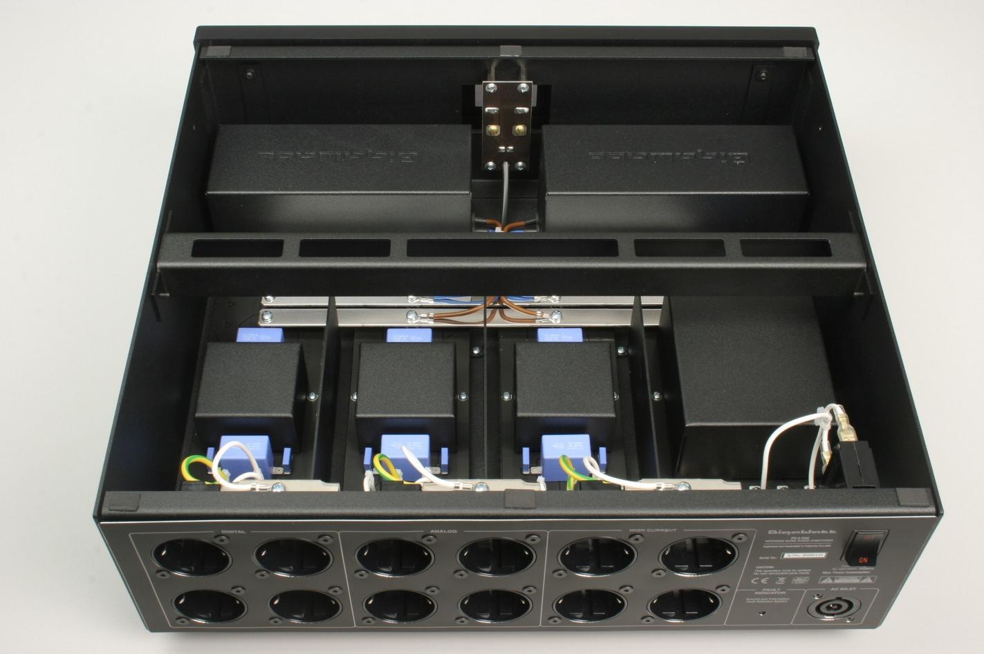 Gigawatt PC-4EVOplus + LC-2HC EVO Barevné provedení: černé
