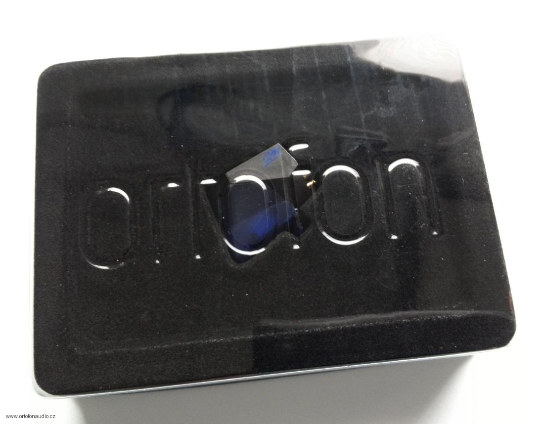 Ortofon 2M BLUE + Ortofon Carbon Stylus brush