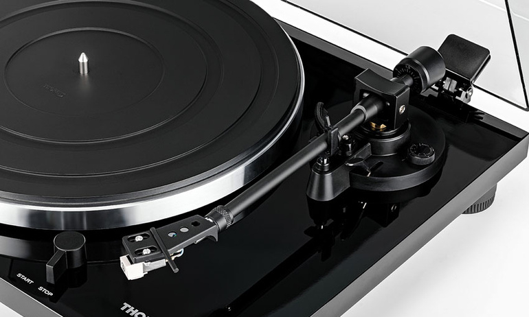 Thorens TD-201 Přenoska: Audio-Technica AT 3600