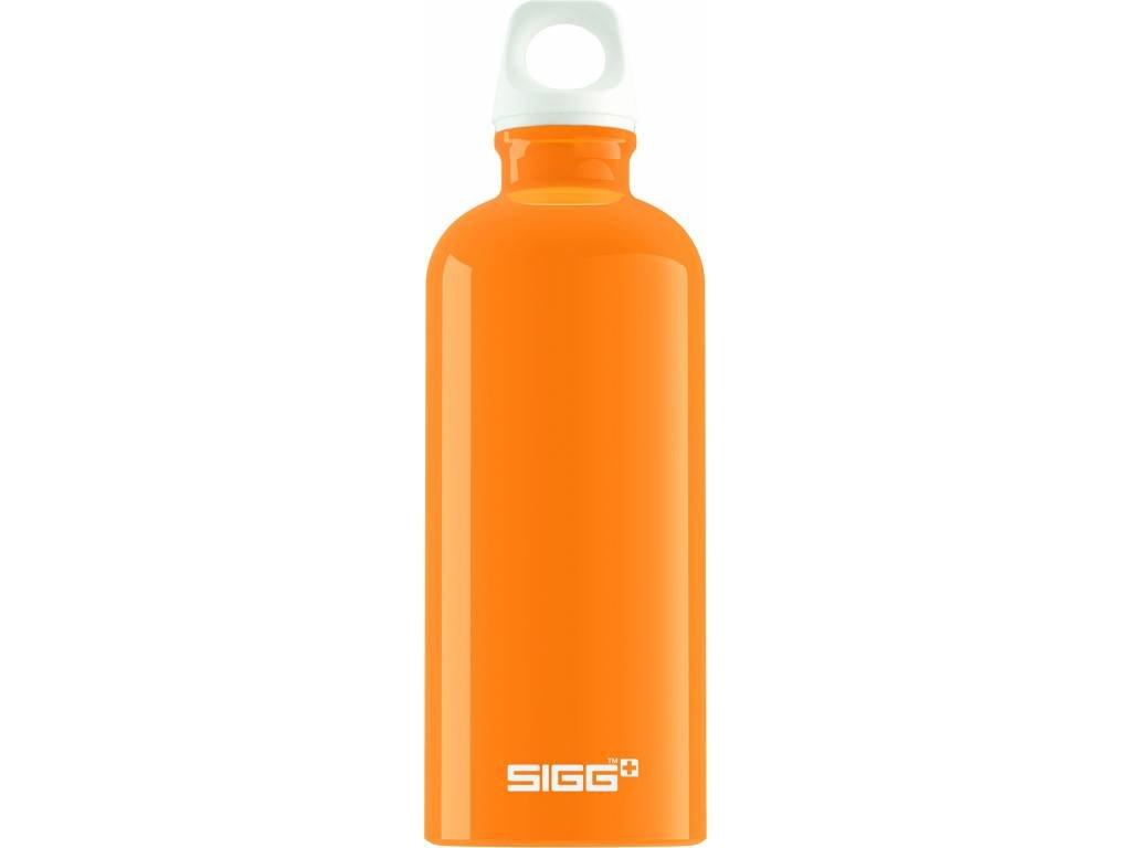 SIGG Fľaša FABULOUS Orange - kovové fľaše na vodu SIGG