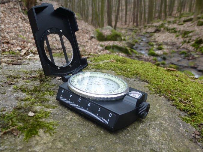 Kompas FoX Precision 34043 - masívny kovový kompas do prírody