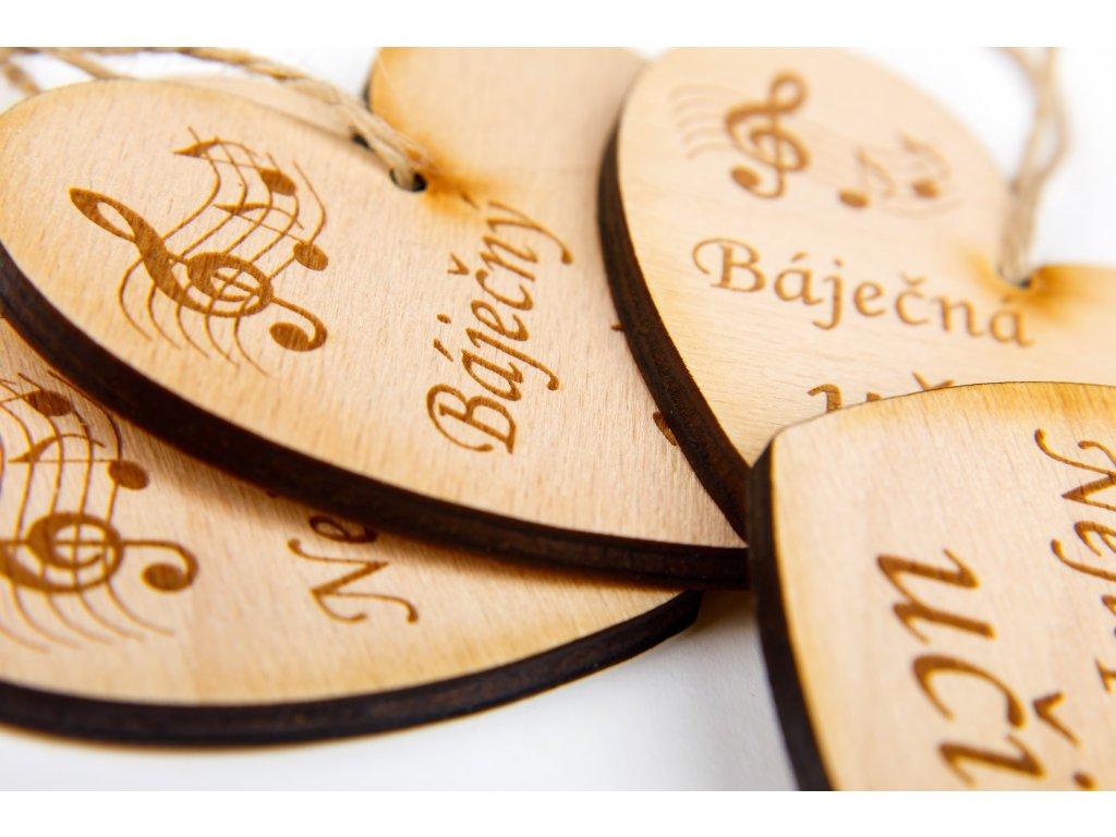 Dřevěné srdce s partiturou Nejlepší učitel (1)