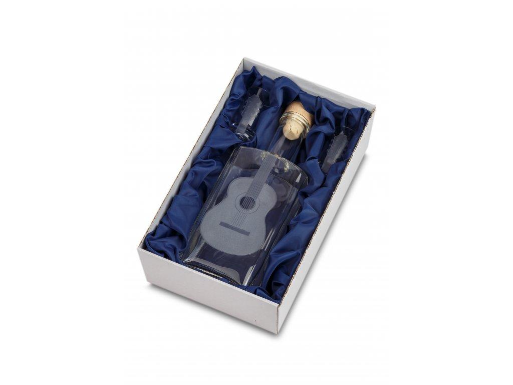 Skleněná láhev 0,5 l + 2 ks sklenic 35 ml klasická kytara (1)