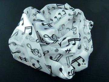 jemný šál s notami a houslovými klíči