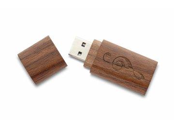 USB Flash disk 32 GB s gravírovaným houslovým klíčem, tmavé dřevo (3)