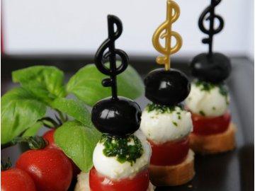 party napichovátka ve tvaru houslových klíčů