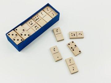 Dřevěné domino NOTY - v papírové krabičce OBOUSTRANNÉ
