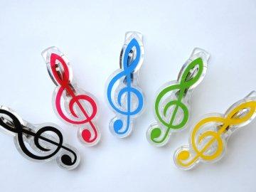 Klipsna na noty - houslový klíč