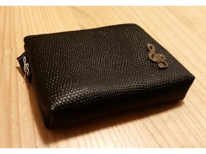 Koženková klíčenka s kovovým houslovým klíčem - černá
